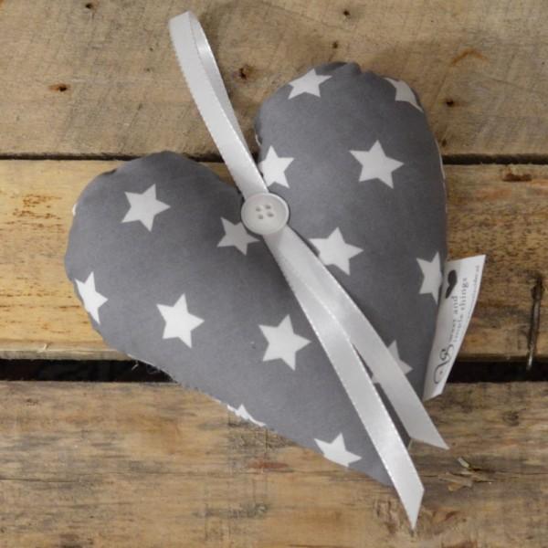 Herzkissen - grau Sterne